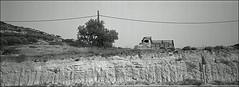 am wegesrand das kabel entschwand (fluffisch) Tags: fluffisch crete kreta matala kamares greece hasselblad xpan panorama 45mmf40 rangefinder messsucher analog film kodak trix400