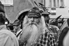 Raduno alpini (Claudia Celli Simi) Tags: trento trentino alpini 2018 radunoalpini bw bn biancoenero blackandwhite monocromo contrasto volti visi ritratti portrait barbe barba