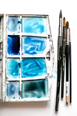 31/52. Pintando en lienzo (Cristina Ovede) Tags: blue azul lifeisarainbow stilllife stilllifephotography stilllifegallery acuarela aquarelle
