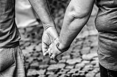 (Mister G.C.) Tags: blackandwhite bw image streetshot streetphotography photograph candid people holdinghands hands romantic romance unposed monochrome urban town city sonya6000 sonyalpha a6000 mirrorless telephoto zoom lens sel18105 18105mm sonyglens sony18105mmepz f4 mistergc schwarzweiss strassenfotografie niedersachsen lowersaxony deutschland europe