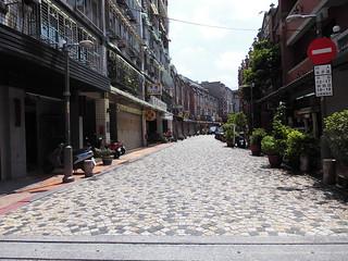 Yingge Old Street - Yingge District is famous for ceramics.  #Yingge #YinggeDistrict #NewTaipei #NewTaipeiCity #NTC #TPE #TWN #TW #Ceramics #TaipeiCity #Taipei #ROC #Taiwan #YinggeOldStreet #OldStreet #YinggeOldSt #OldSt #鶯歌 #鶯歌區 #新北市 #新北 #台北縣 #臺北縣 #台北市 #
