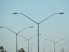 Light Poles (sander_sloots) Tags: lampposts lightpoles lanterns streetlights streetlamps thorn carat alpha2000 lighting perth australia graham farmer freeway motorway snelweg lantaarnpalen lichtmasten armaturen straatverlichting strassenlaternen