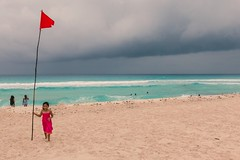 Child on the beach of Cancun (CyrilleMarkII) Tags: age america amérique cancun centre continentsetpays enfant france loiretcher mex mx mer mexico mexique personnes yucatan plage