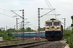 Hussain Sagar Exp. (B V Ashok) Tags: hussainsagar superfast express 12702 scr hybcstm hyderabadmumbai htcy hitechcity k y kyn kalyan wdp4d 40316 emd cr