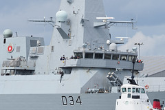M2113978 E-M1ii 300mm iso400 f5.6 1_1600s (Mel Stephens) Tags: 20180811 201808 2018 q3 3x2 6x4 wide widescreen olympus mzuiko mft microfourthirds m43 300mm pro omd em1ii ii mirrorless torry uk scotland aberdeen coast coastal transport boat ship hms diamond military royal navy destroyer