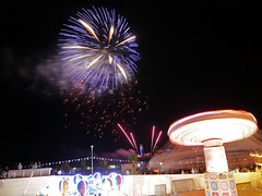fireworks and funfair 229/365 (auroradawn61) Tags: bournemouthseafront pier funfair fireworks bournemouth dorset uk england august 2018 summerfireworks afterdark night lumixgx80