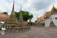 Stupas, Wat Pho BKK 6-5-17 1 (THE Holy Hand Grenade!) Tags: stupa watpho bangkokthailand nikond610 nikkor20mmƒ28afd geotagged