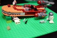 65 (dalokoshru) Tags: lego starwars r2d2 luke skywalker porg lukeskywalker