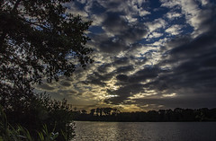 evening atmosphere @ Krickenbecker See (kittimat62) Tags: eveningatmosphere abendstimmung krickenbeck nettetal naturschutzgebiet abend see netteschwalm wolken himmel lake sky canon eos600 ngc wasser