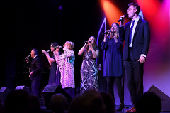 Sandi Patty & Family (Anthony Mark Images) Tags: concert stage people sandipatty sandipattyfamily daughters son husband stagelights alaskatour forevergratefultour 2018 singing music gospelmusic