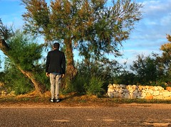 Solo (marcus.greco) Tags: portrait selfportrait man nature green sky tree blue