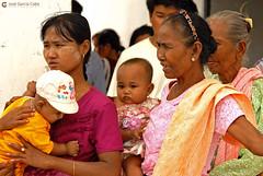 11-10-05 Myanmar (273) O01 (Nikobo3) Tags: asia myanmar birmania burma sagaing amarapura mandalay monywa social culturas color people gentes portraits retratos travel viajes nikon nikond200 d200 nikon7020028vrii nikobo joségarcíacobo