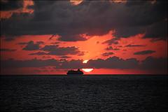 IMG_0274b (ale210708) Tags: mare sea livorno leghorn toscana tuscany italia italy nave boat sunset romito boccale