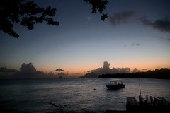 (fabhuleux) Tags: france antilles martinique soleil sun voyage travel street diamon 6d canon color boat plage moon lune diamant beach sunset