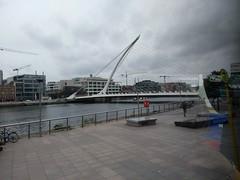 PONT SAMUEL BECKETT (marsupilami92) Tags: irlande eire leinster dublin capitale jettours pont bridge rivière liffey harpeceltique fleuve