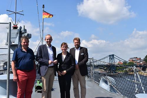 Besuch der Marine in Wilhelmshaven mit meiner Kollegin Siemtje Möller MdB.