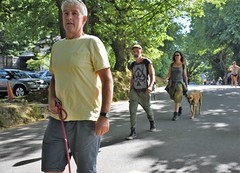 Ace of Spades (Bury Gardener) Tags: streetphotography streetcandids street snaps strangers people peoplewatching folks 2018 nikond7200 nikon keswick england cumbria uk britain