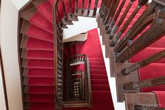 Treppenhaus - Explored (Frank Guschmann) Tags: treppe treppenhaus stairwell escaliers stairs stufen steps architektur frankguschmann nikond500 d500 nikon staircase