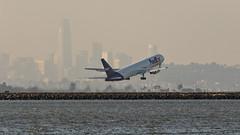 085A2583 FedEx 767-3S2F N146FE departing KSFO RWY 1R. (midendian) Tags: airport airplane aircraft ksfo sfo sanfranciscointernational elephantbar bayfrontpark b763 b767 fedex767 767 767300 767300f freighter cargo fedex n146fe