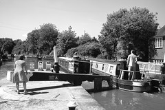 20180806_Negotiating the top lock (Damien Walmsley) Tags: toplock lock negotiating warwick capewarwick canals boats longboat blackandwhite