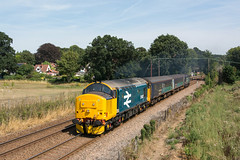 37407 Brundall Gardens 06/08/18 - 37407 departs Brundall Gardens. The 1317 Great Yarmouth to Norwich service provides the first opportunity to catch the city end locomotive, this being the recently overhauled large logo beast this week. (rhayward92) Tags: 37407 class 37 drs direct rail services br british large logo 2p21 greateranglia short set