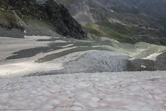 Descending the Glacier de Pièce (Unliving Sava) Tags: wallis cabanedesvignettes alpine alps switzerland glacier valais alpen glacierdepièce suisse summer schweiz hiking zwitersland valdhérens zwitserland mountains evolène ch