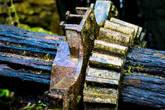 A5D_7163 Waterwheel Driven Cog and Collar (foxxyg2) Tags: wood steel bronze water waterwheel drive driveshaft collar iron metal industry history