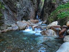 Ambiance Pyrénées (bowb59) Tags: pyrenees haute garonne chute deau cascade pierre