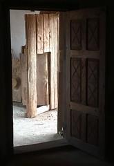El Rancho de las Golondrinas (mademoisellelapiquante) Tags: newmexico southwest desertsouthwest desert elranchodelasgolondrinas rancho architecture door interior