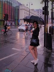DSC00821 (2) (kriD1973) Tags: unitedkingdom greatbritain britain regnounito royaumeuni grandebretagne vereinigteskönigreich grosbritannien england inghilterra angleterre inglaterra london londres londra uk umbrella rain street beautiful beauty bella belle bellezza carina charmante charming chica cute donna femme fille frau girl goodlooking gorgeous guapa gutaussehend hübsch jolie lady leute mädchen mignonne mujer people persone personnes ragazza schön schönheit tunesierin tunisian tunisienne tunisina woman