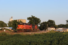 BLE 906 Take 6 (CC 8039) Tags: ble cn ic trains sd45t2 sd70m2 mount pulaski illinois sunset golden light
