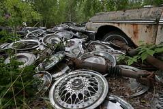 (theleakybrain) Tags: p1710908 kesslersautosalvage earl wi junkyard boneyard yard junk classic car rust decay patina