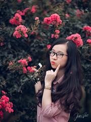 Climbing rose (SuBinZ) Tags: portrait girl flickr flickrcom áo dài dress vietnamese gái young lady beauty cute fujifilm gfx 50s 110mm flower tườngvy climbingrose vietnam hoa rose