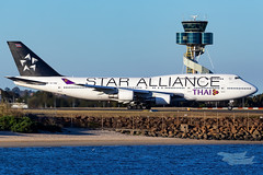 HS-TGW TG B747 16R YSSY StarAlliance-4131 (A u s s i e P o m m) Tags: thaiairways thai mascot newsouthwales australia au tg boeing b747 queenoftheskies sydneyairport syd yssy