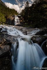 cascade du pont d'Espagne, Cauterets, Hautes-Pyrénées (arnolamez) Tags: mountain montagne cascade waterfall paysage landscape longexposure poselongue pyrenees hautespyrenees cauterets