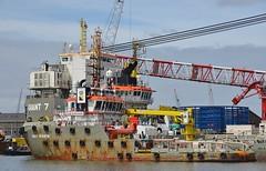 Smit Seraya en Giant 7 (Hugo Sluimer) Tags: portofrotterdam port rotterdam zuidholland nederland holland haven nlrtm onzehaven