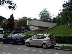the bridge (Lackdosetoleranz) Tags: wien vienna lackdosetoleranz urban urbanlife 1100 brücke brückeinsnichts nichts kunst oder architektur architecture citylife seltsam unbenutzbarer raum
