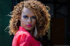 Graciela (Jan Jungerius) Tags: porträt portret portrait vrouw frau woman nikond7000 model curlyhair krulhaar krullen kraushaar femme girl
