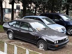 Alfa Romeo GTV 2.0 (Alessio3373) Tags: cars autoshite abandoned abandonedcars autoabbandonate unused unloved neglected forgotten forgottencars transaxle alfaromeo alfaromeogtv alfaromeogtv20