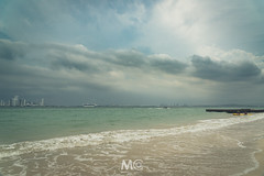 Weather is changing (Mariano Colombotto) Tags: beach playa sea mar seascape colombia travel summer water sky cielo clouds cloudy storm skyline cityscape cruise nikon ngc