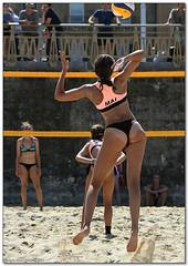 Volley Playa - 049 (Jose Juan Gurrutxaga) Tags: file:md5sum=a575daa0973fca55040b678c0d1ed809 file:sha1sig=54d4d270db2fd87e6759fcc0d9d87d249dd0e30b volley playa beach hondartza boleibol voleibol semana grande zurriola donostia