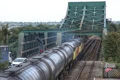 Trent Tanks (JohnGreyTurner) Tags: br rail uk railway train transport diesel engine locomotive keadby althorpe gunness lincolnshire 56 class56 grid tanks bitumen