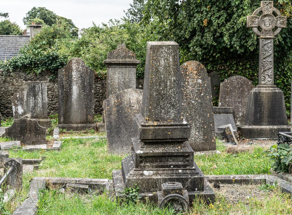 OLD CHURCHYARD KNOWN AS ST. JOHN'S [DUBLIN ROAD KILKENNY]-142940