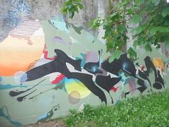194 (en-ri) Tags: nero azzurro giallo arancione torino wall muro graffiti writing cerchi richard corn