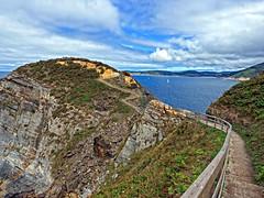 Punta Fuciño do Porco, O Vicedo (Lugo) (Miguelanxo57) Tags: mar cielo peñasco paisaje costa cantábrico ríadeviveiro ovicedo fuciñodoporco lugo galicia nwn