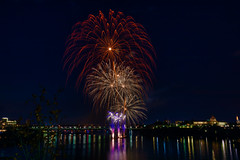 100A1035 (CdnAvSpotter) Tags: 2018 aug 4 casino lacleamy sound light fireworks les grand feux ottawa river nightphotography long exposure spain