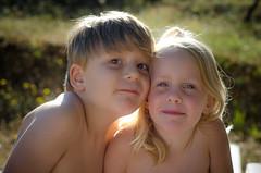 Domaine Petit Arlane (Janine en Ron) Tags: vakantie vacation vacances frankrijk france 2018 7 year old boy jongen brown eyes 5 blue meisje girl child childhood