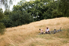 Greenwich. Summer 2018 (Sara Nicomedi) Tags: summer hotlondo dry park heat couple love greenwick