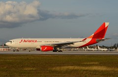 O6 A332 MIA (Luis Fernando Linares) Tags: aviation avgeek airbus airlines aircraft airplane airliner airport avianca a330 o6 one mia kmia miami planespotting winglets rollsroyce trent taxi jet twinjet widebody