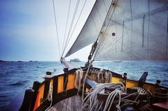 Le Renard & La Conchée.... (G.Billon) Tags: gbillon billon danielbillon nicolebillon nikond90 nikon côtedémeraude lamanche îlevilaine breizhmabro breizh bretagne bzh vieuxgréement bateaux corsaires lerenard saintmalo laconchée